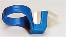 Doigts couteaux bleus bagues coupe liens plastiques